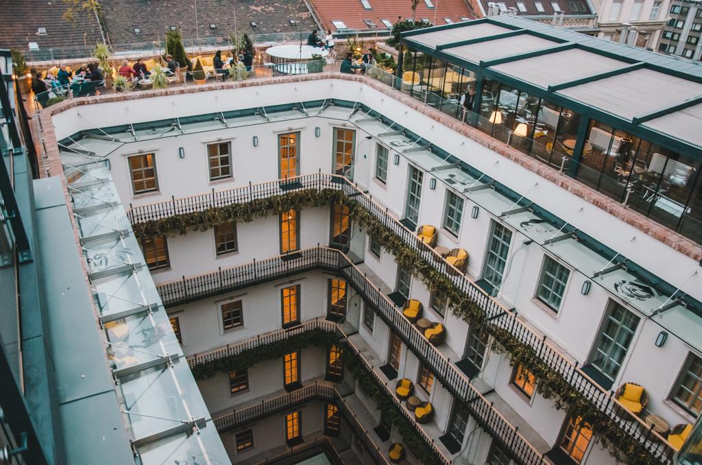 wewnętrzny dziedziniec w Aria Hotel Budapeszt