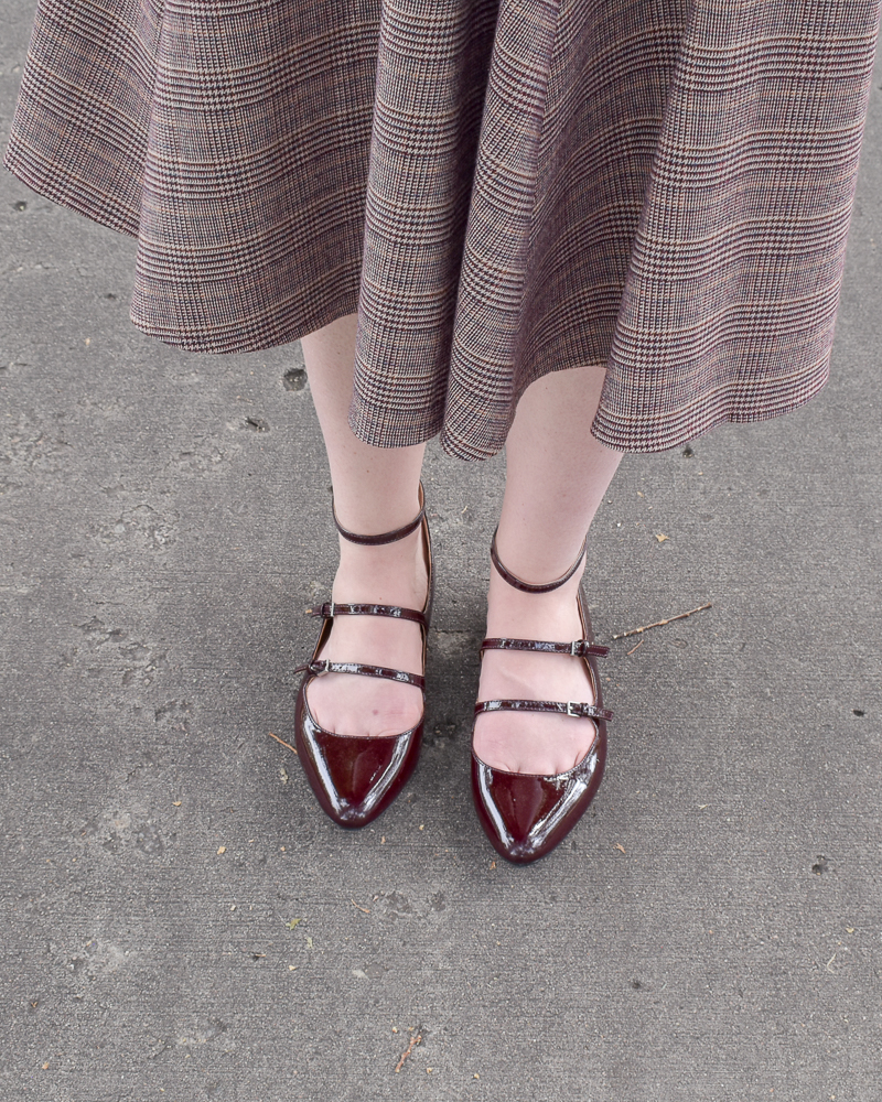 patent red flats