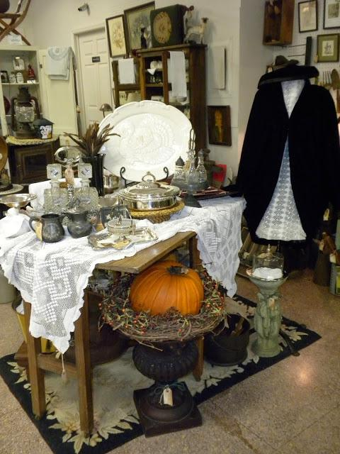 Great fall antique booth display