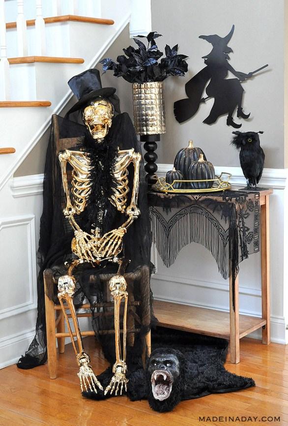 Glam golf skeleton