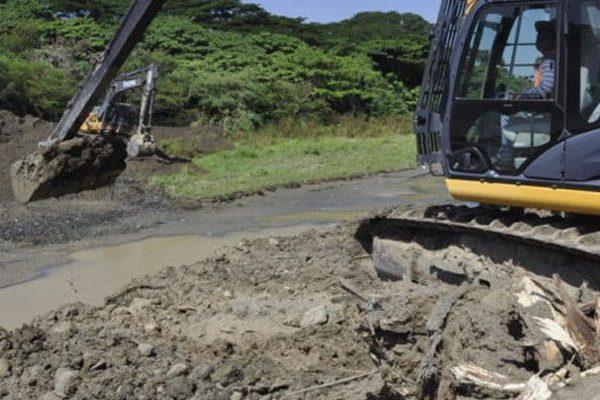 INDRHI avanza en trabajos de rehabilitación del canal en Valverde
