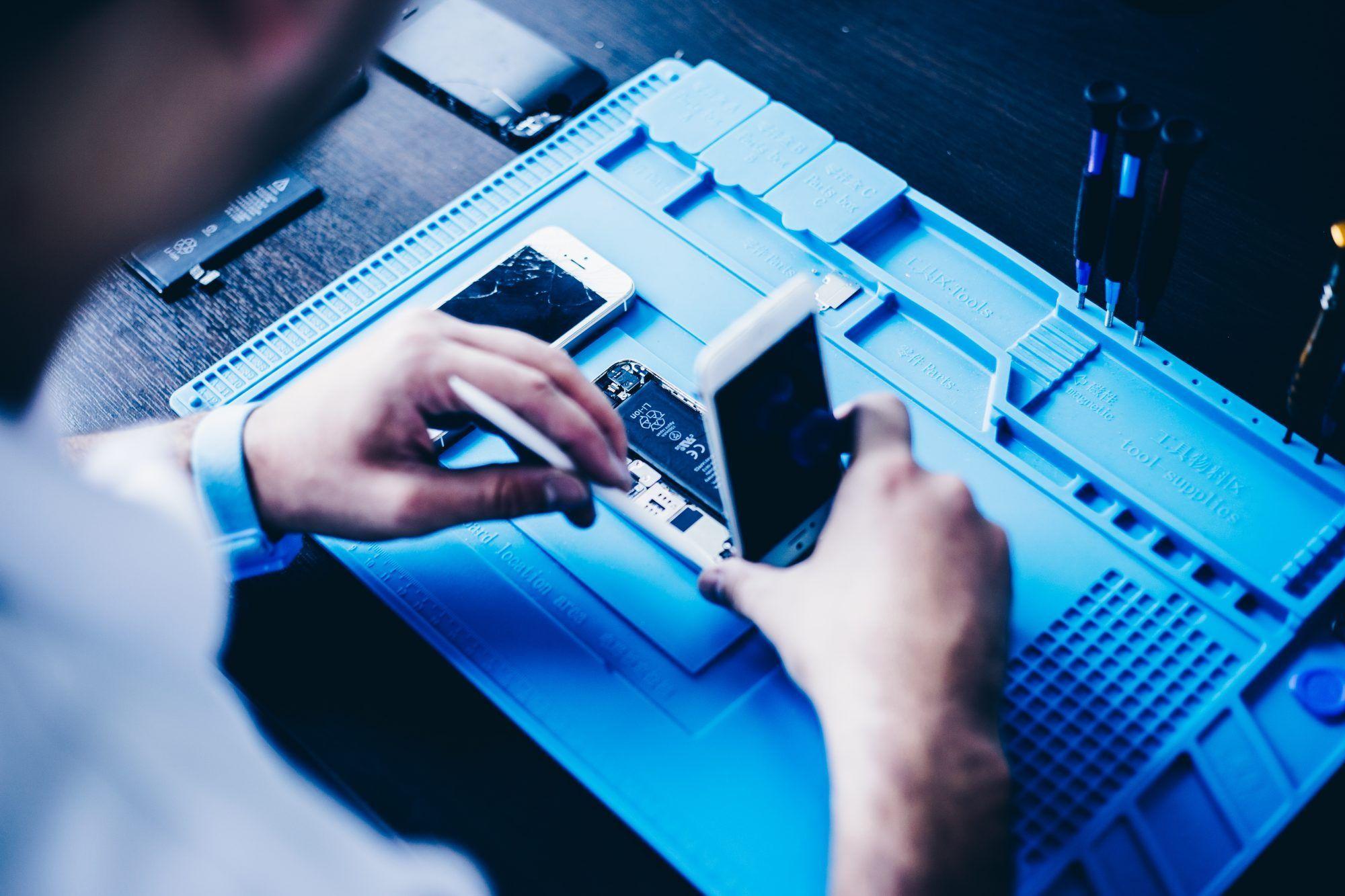 Curso de reparación de iPhone y microsoldadura presenciales y personalizados