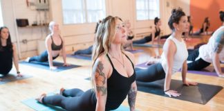 A Prefeitura de Arraial do Cabo, por meio da Secretaria de Assistência Social, oferece aulas de Yoga gratuitas no CRAS, localizado em Figueira