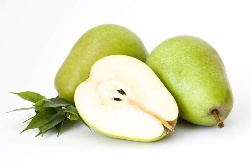 perda de peso pera 1024x682 - Conheça os 7 Alimentos Que Auxiliam na Perda de Peso