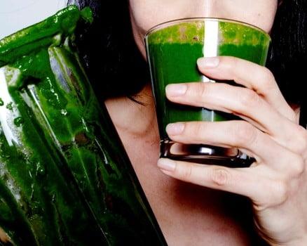 SUCO VERDE - Suco detox para desinchar: Veja Receitas Incríveis!