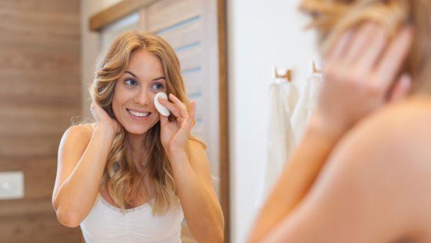 make 1 - Veja 5 produtos naturais que removem a maquiagem