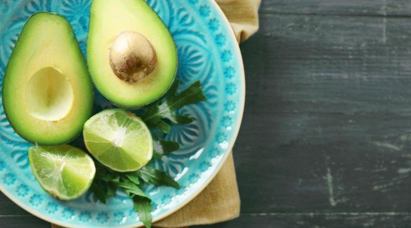 1 15 - Benefícios do abacate para saúde e emagrecimento: receita de vitamina!