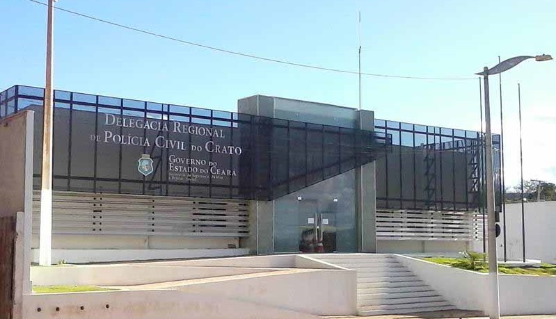 Cariri: advogada é presa suspeita de se envolver com facções criminosas em Crato