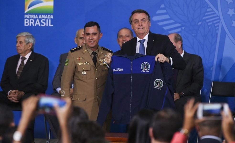 Ceará é um dos 16 estados que aderiram ao Programa de Escolas Cívico-Militares
