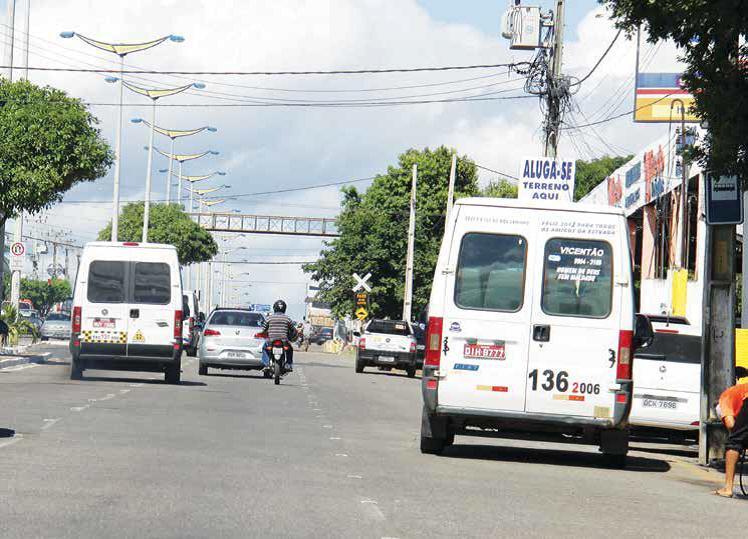 Decisão que proíbe transportes alternativos de outros estados virem a Juazeiro, prejudica universitários