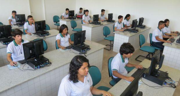 Estudantes da rede estadual poderão participar de programa de intercâmbio internacional