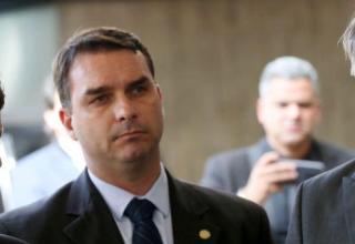 MP aponta Flávio Bolsonaro como chefe de organização criminosa