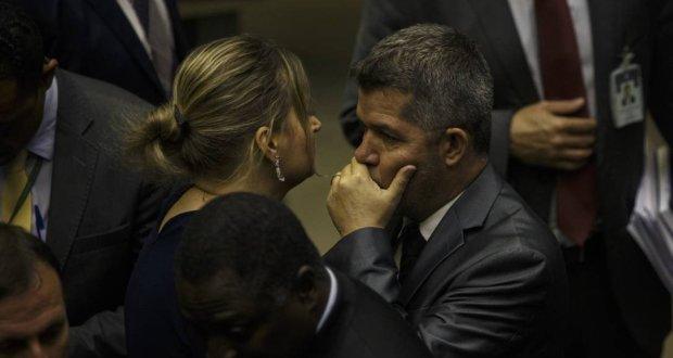 Queda de braço: entenda a guerra entre o PSL e Bolsonaro