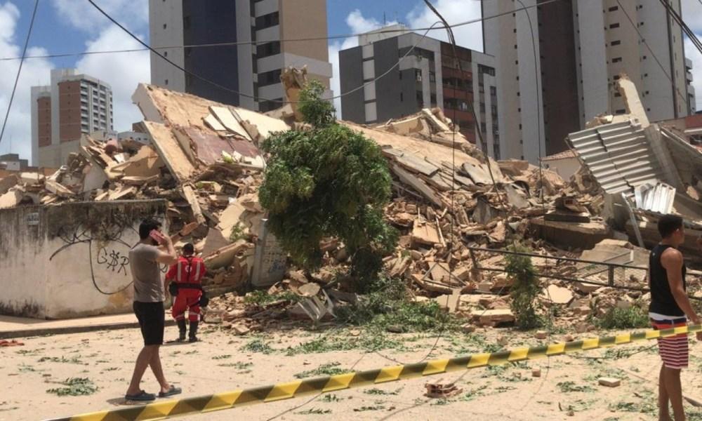 Residencial de 7 andares desaba em Fortaleza