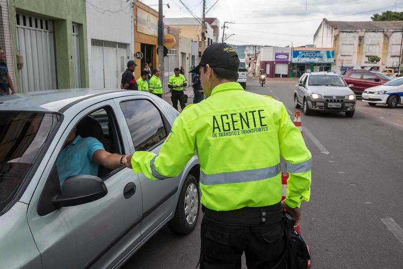 Saiba como substituir multas de trânsito por uma advertência