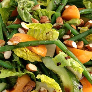 Apricot salad with green beans