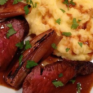Hanger steak with potato mash