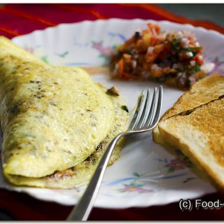 Sausage, Bacon & Cheese Omelette: Satisfying Sunday Brunch!
