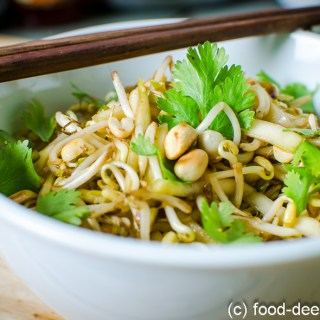 Thai Style Beansprout & Raw Mango Salad