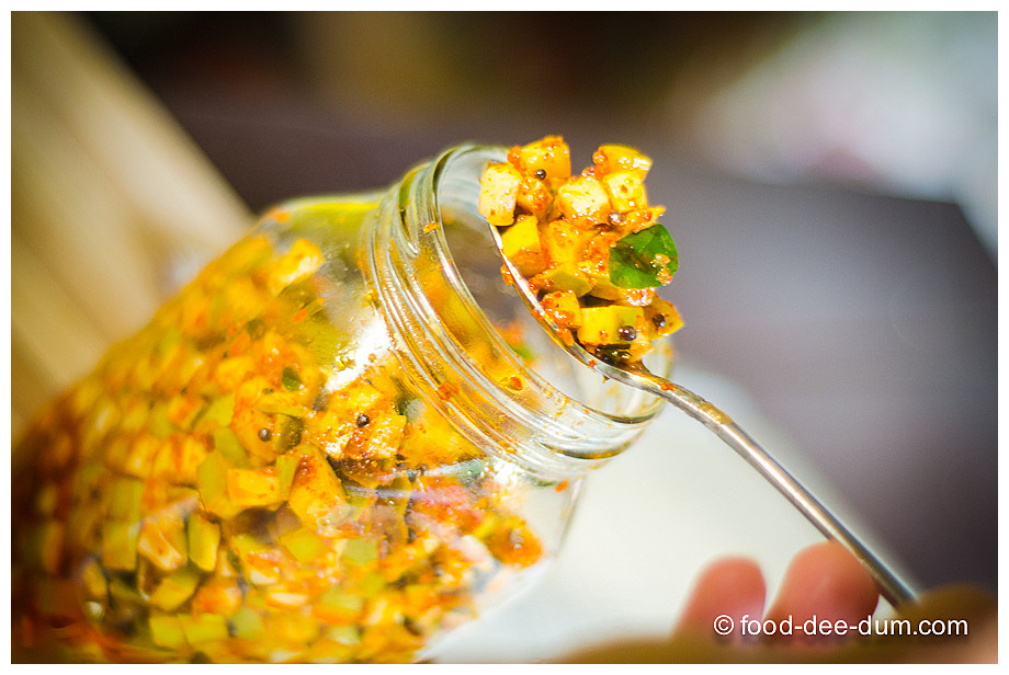 Food-Dee-Dum-Raw-Mango-Pickle-16