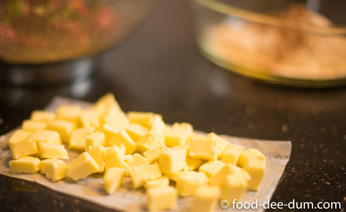 Food-Dee-Dum-Strawberry-Crumble-Recipe-1