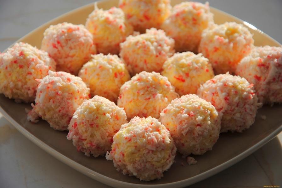 Крабово-сырные шарики. Салат для красоты