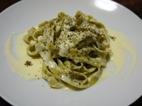 Green Fettuccine with Alfredo Sauce