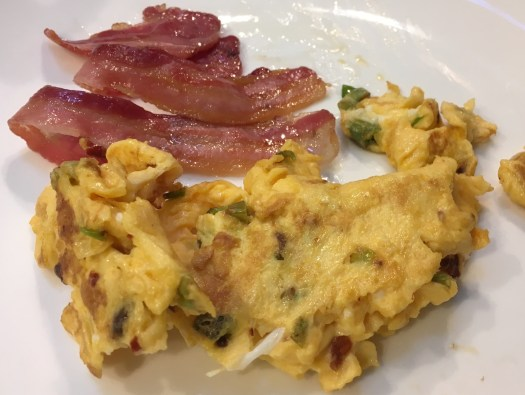 Spicy scrambled eggs and bacon