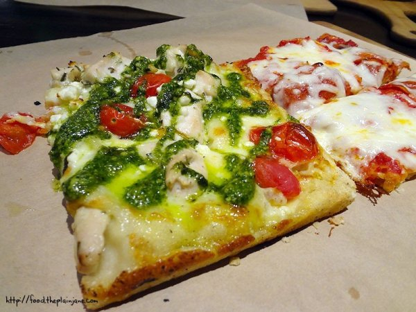 chicken-pesto-pizza-slice-napizza