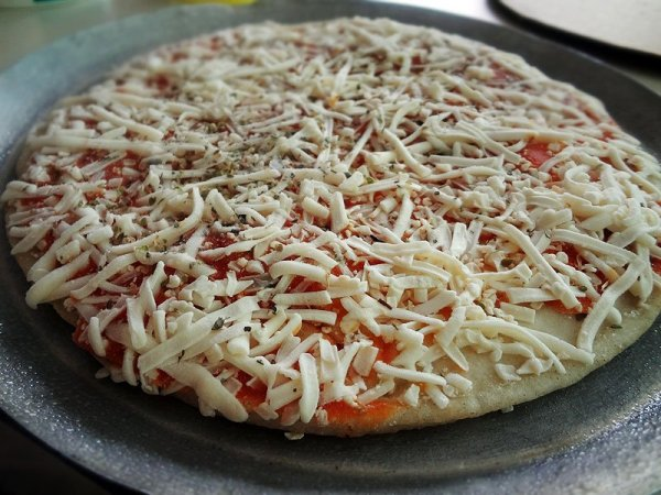 cheese-pizza-gluten-free-frozen