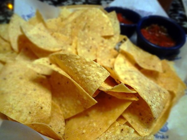 free-chips-salsa-happy-hour-islands