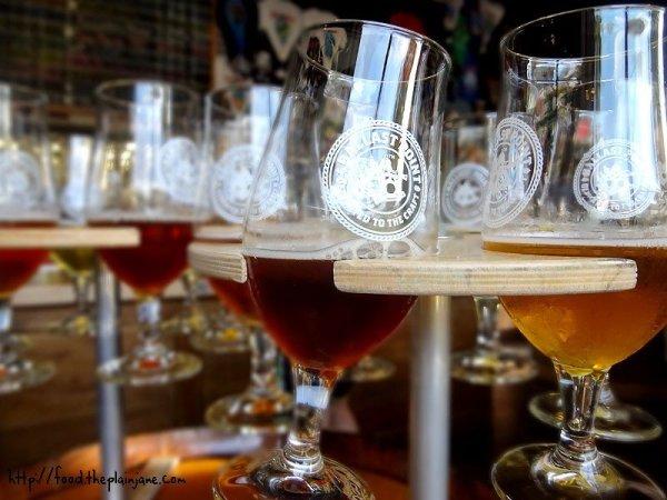 beer-tasters