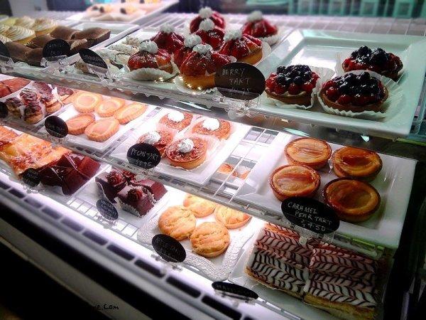 dessert-case-1