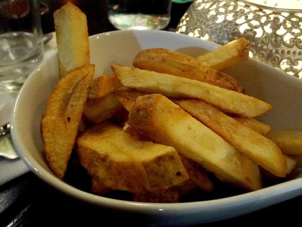 fresh-french-fries-cafe-21