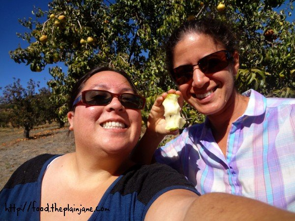 laura-mary-pear-eating