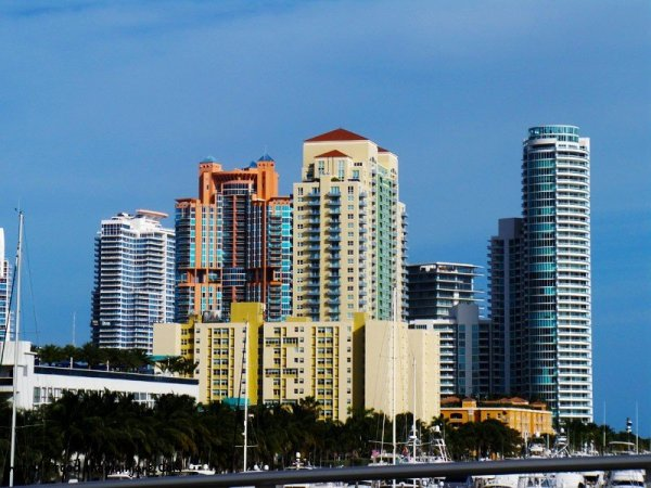colorful-buildings-miami
