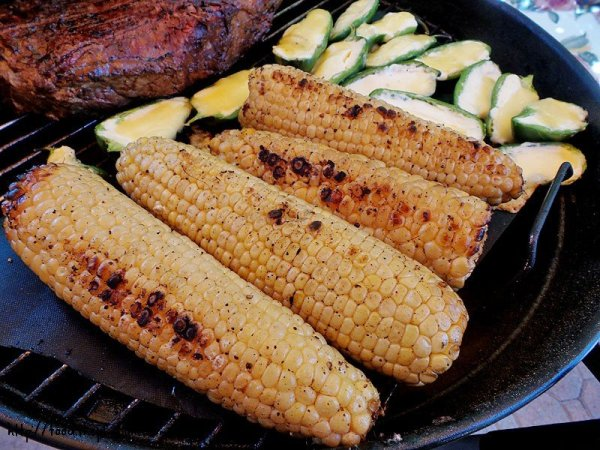 grilled-charred-corn-on-the-cob