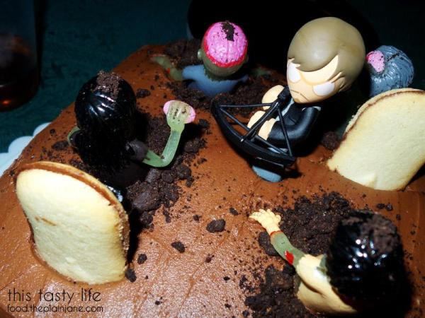 daryl-in-the-graveyard-zombie-cake