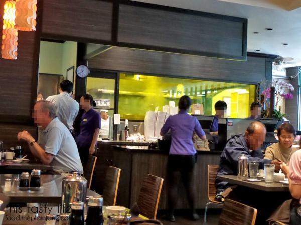 din-tai-fung-steamy-dumpling-room
