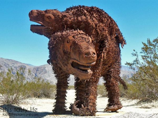 sloths-borrego-springs-sculptures