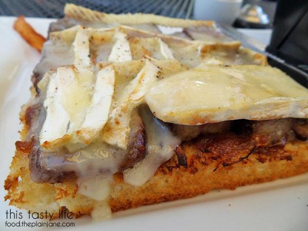 steak-brie-open-sandwich-opera-cafe