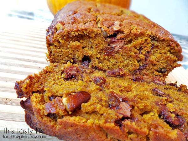Look at those chocolate chips! Yum! Pumpkin Chocolate Chip Pecan Bread | This Tasty Life - food.theplainjane.com