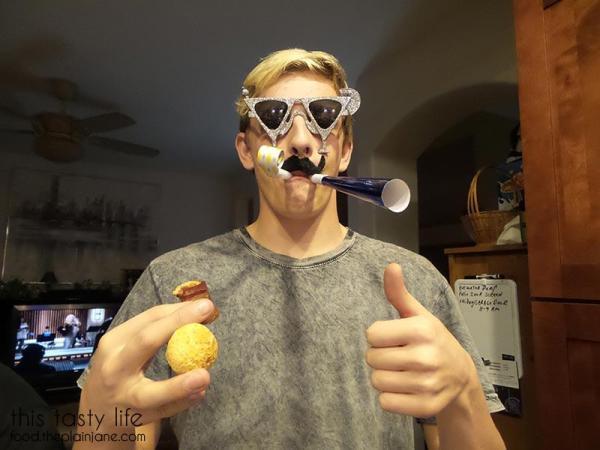 t-party-mustache