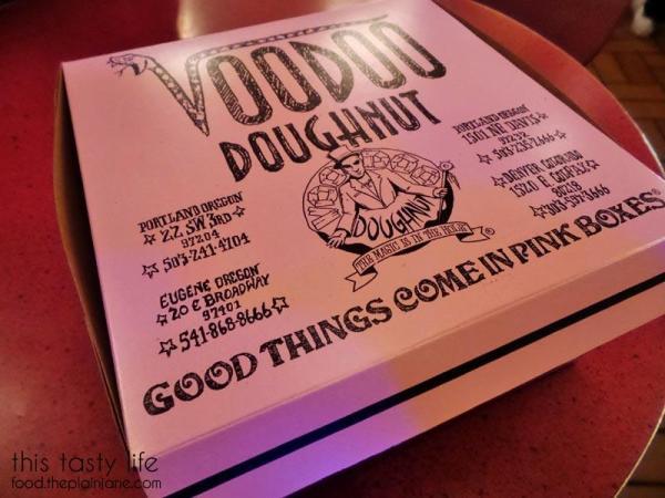 voodoo-donuts-box