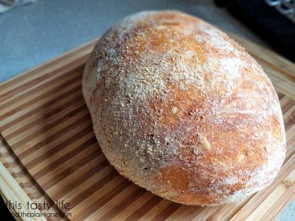 Homemade Bread with Crunchy Crust