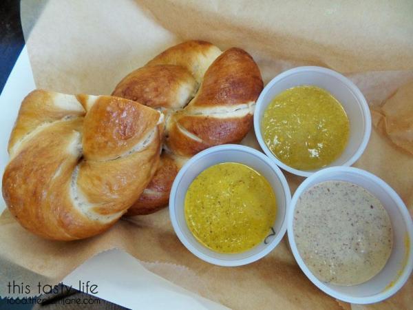 pretzel-mustard-sampler