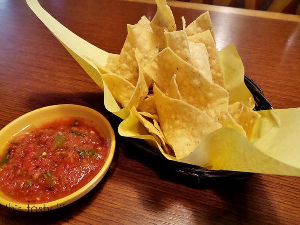 el-torito-chips-salsa