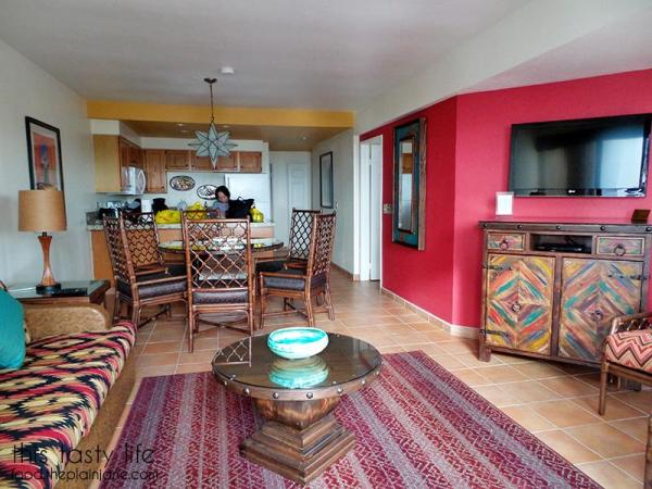 living-room-kitchen-worldmark-rosarito-beach