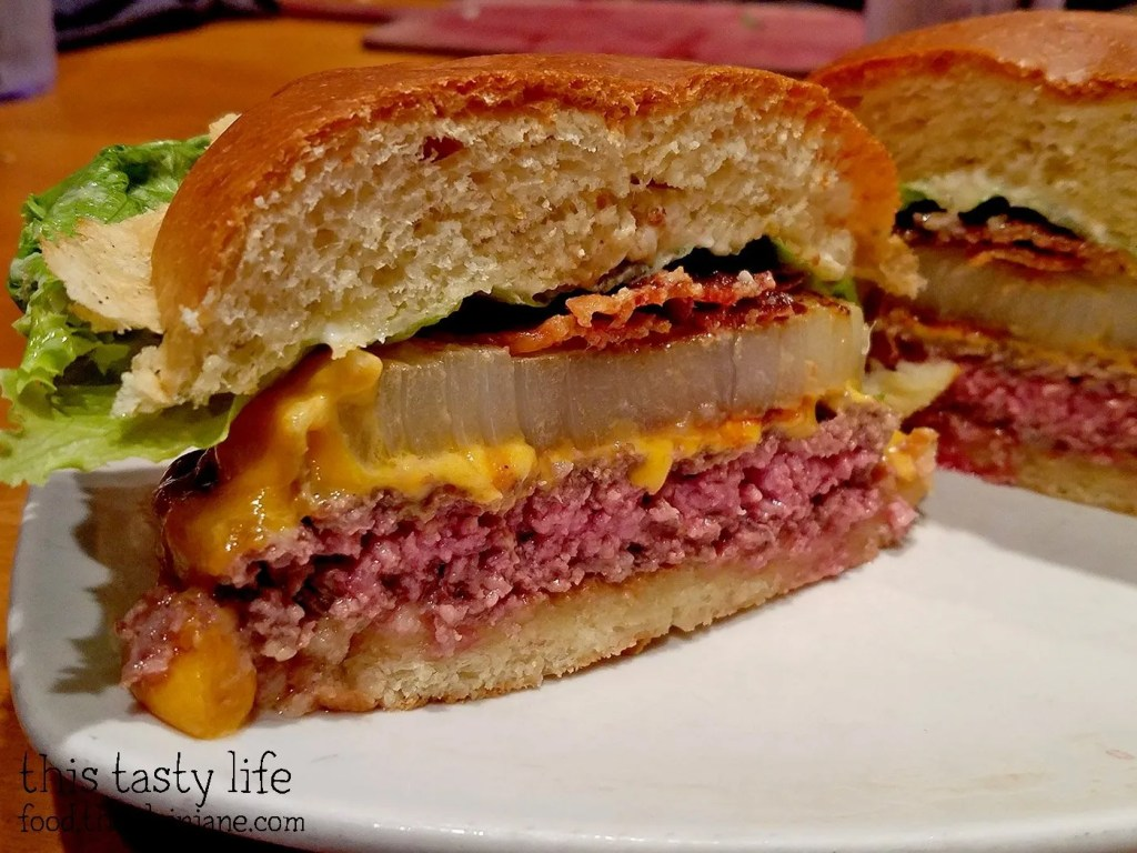 cross-section-onion-burger