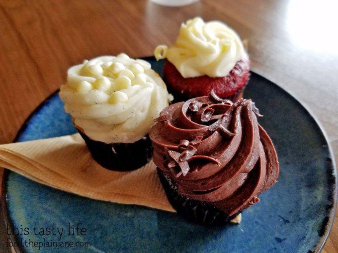 Mini Cupcakes at Luna Grill - Mira Mesa - San Diego, CA